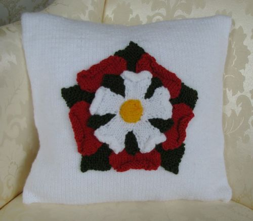 Patriotic Cushion Cover Pattern - English Tudor Rose