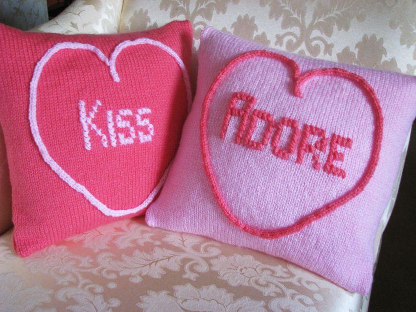 Pattern Collection - Seasonal Cushion - Love Hearts (Kiss & Adore)