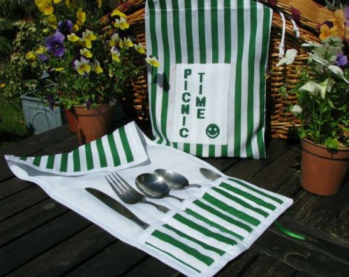 Outdoor Living Pattern - Picnic Time Cutlery Wraps & Serviette Bag