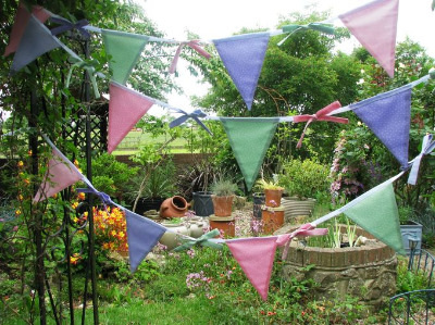 Summer Flags & Bows Bunting