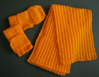 Mitts & Scarf Set