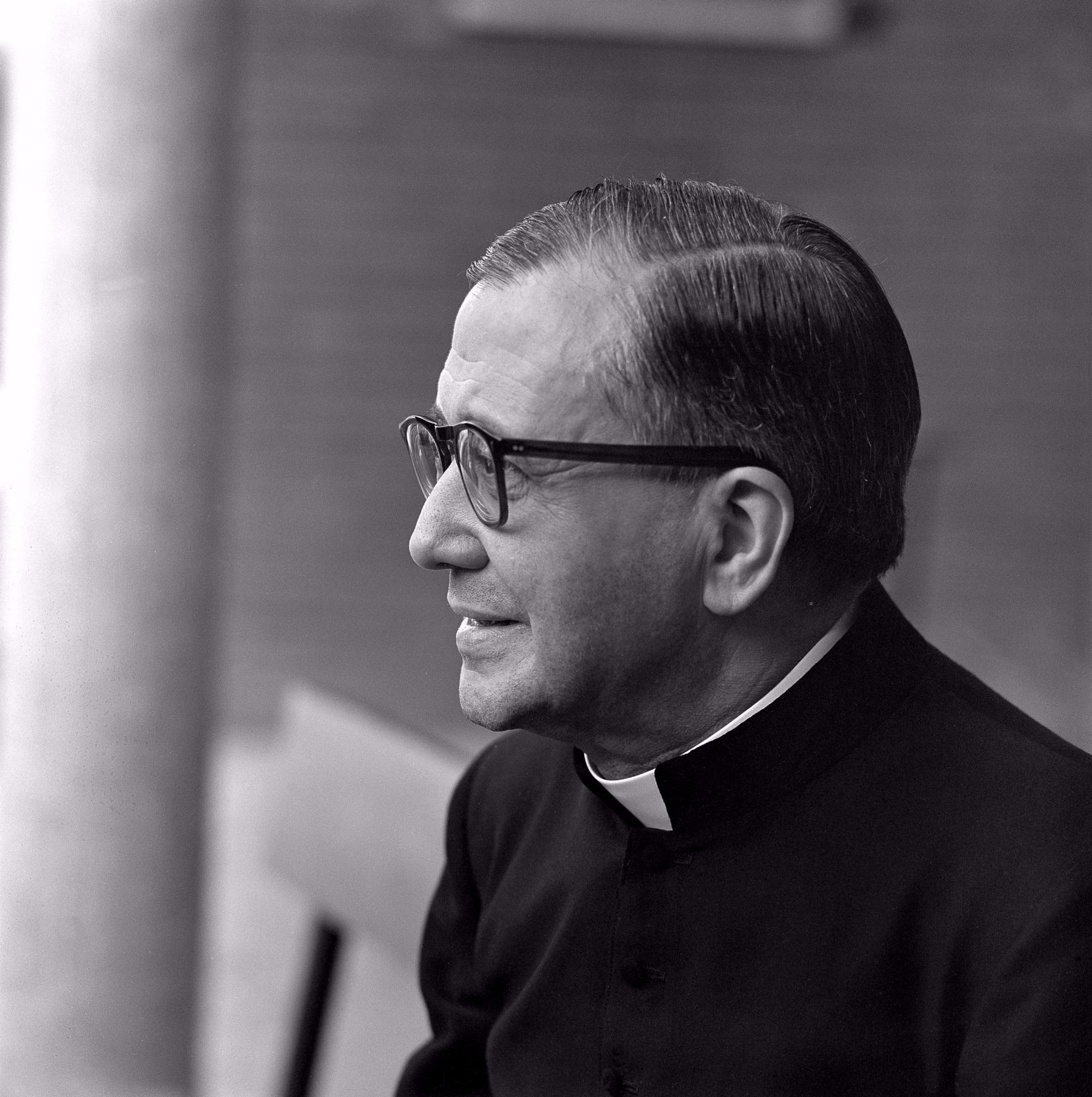 Saint Josemaria escriva on the rosary