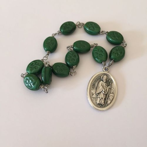 Chaplet of Saint Patrick - Czech Pressed Glass - Green
