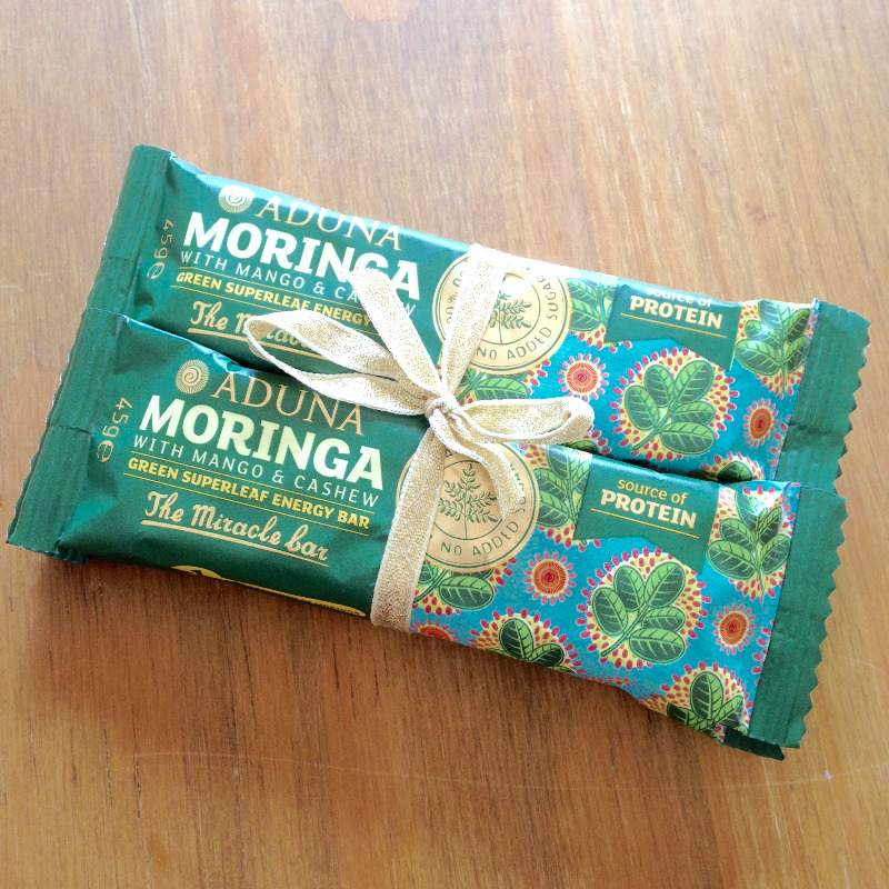 aduna moringa with mango and cashew green superleaf energy bar blog review