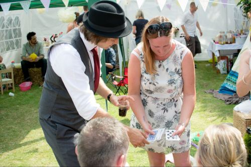 Darren Campbell Magic Close Up Magician Pix Photographic Gloucester Wedding Documentary Photographers Blog