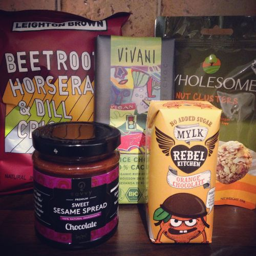december flowbox contents mini vegan subscription box uk lylia rose blogger
