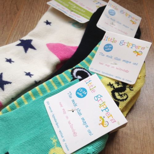 kids socks that really do stay up! lylia rose kids blog post uk little grip