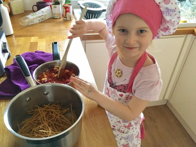 Bella age four makes spaghetti chilli chef cook child lylia rose uk blog pa