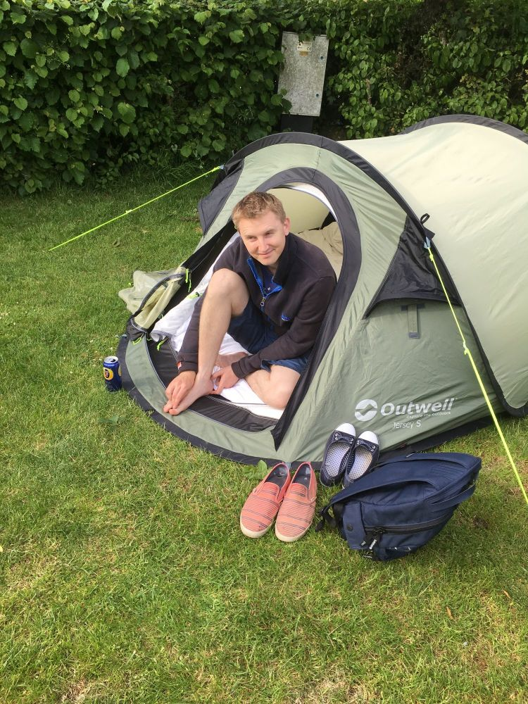 A Kid Free Camping Trip to the Vale of Glamorgan - acorn camping brigend ll