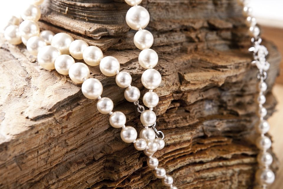 pearls - The Latest Jewellery Trends You Should Know About