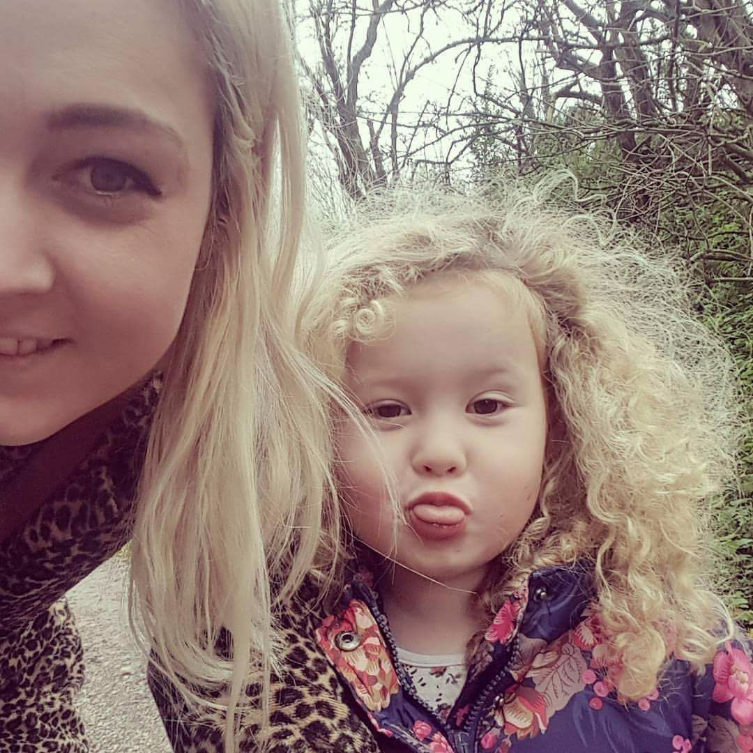 Money Making Mums Blogger Interview Kaya from Earning by the Sea