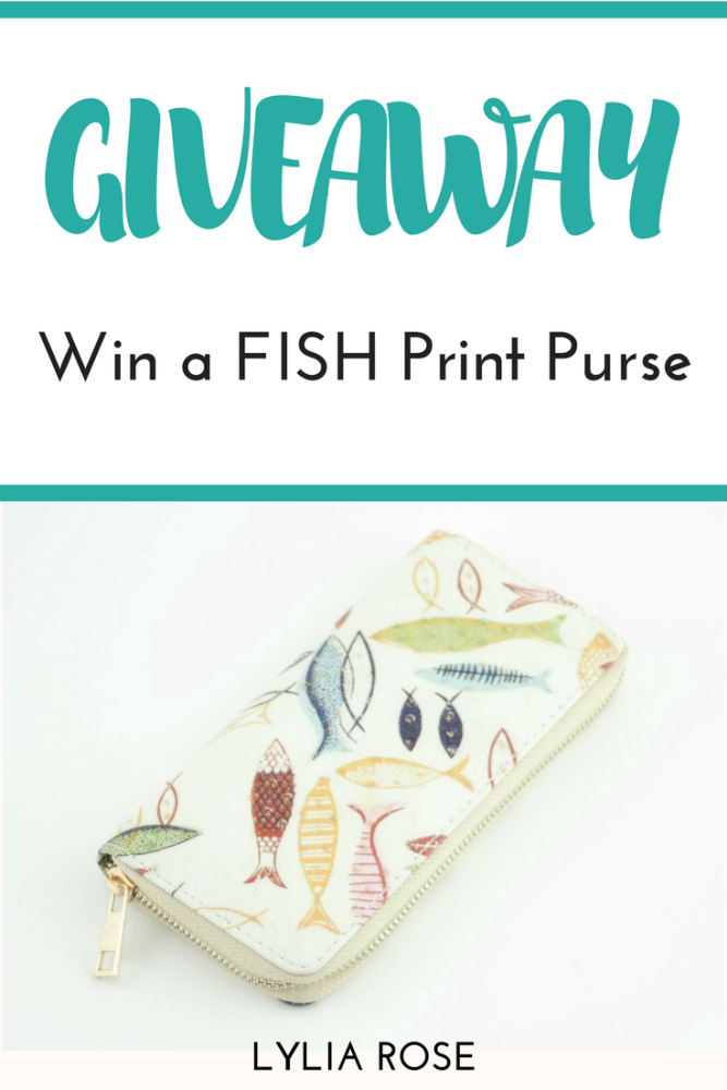 Blog Giveaway_ Win a FISH Print Purse #winitwednesday
