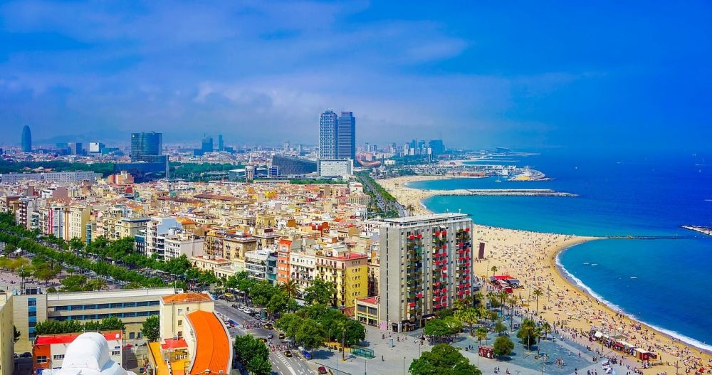 Things to Do with Kids in Spain - barcelona beach