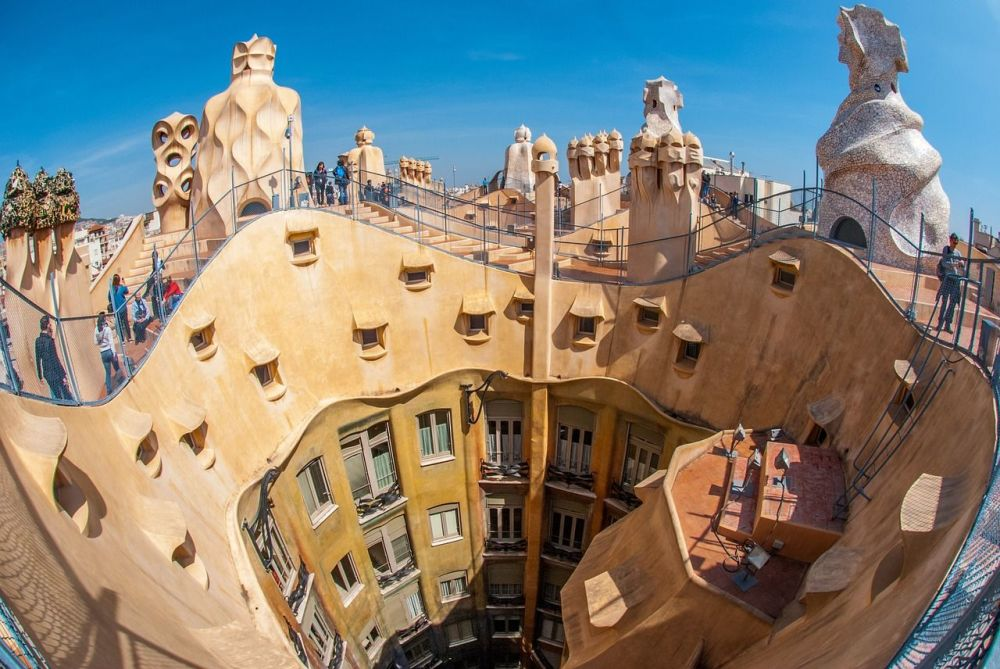 Things to Do with Kids in Spain - barcelona gaudi