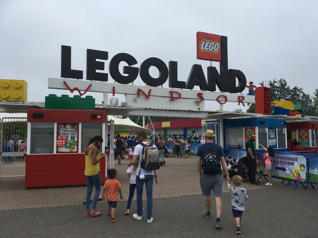 My Very Honest LEGOLAND Windsor Review Entrance