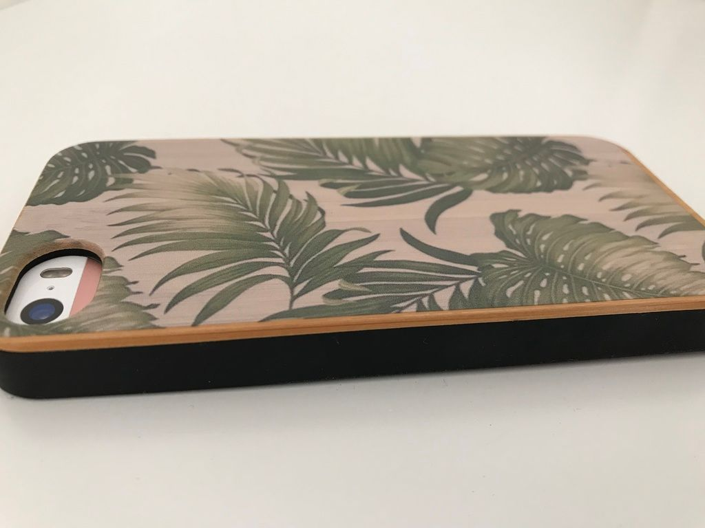 My Personalised Case Review – Wooden Leaf Print iPhone Cover 1