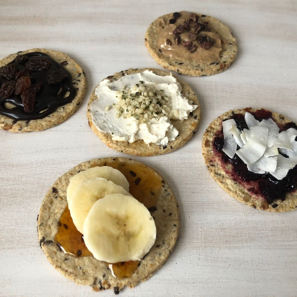 5 quick, easy and deliciously sweet vegan Nairn's Oatcakes toppings
