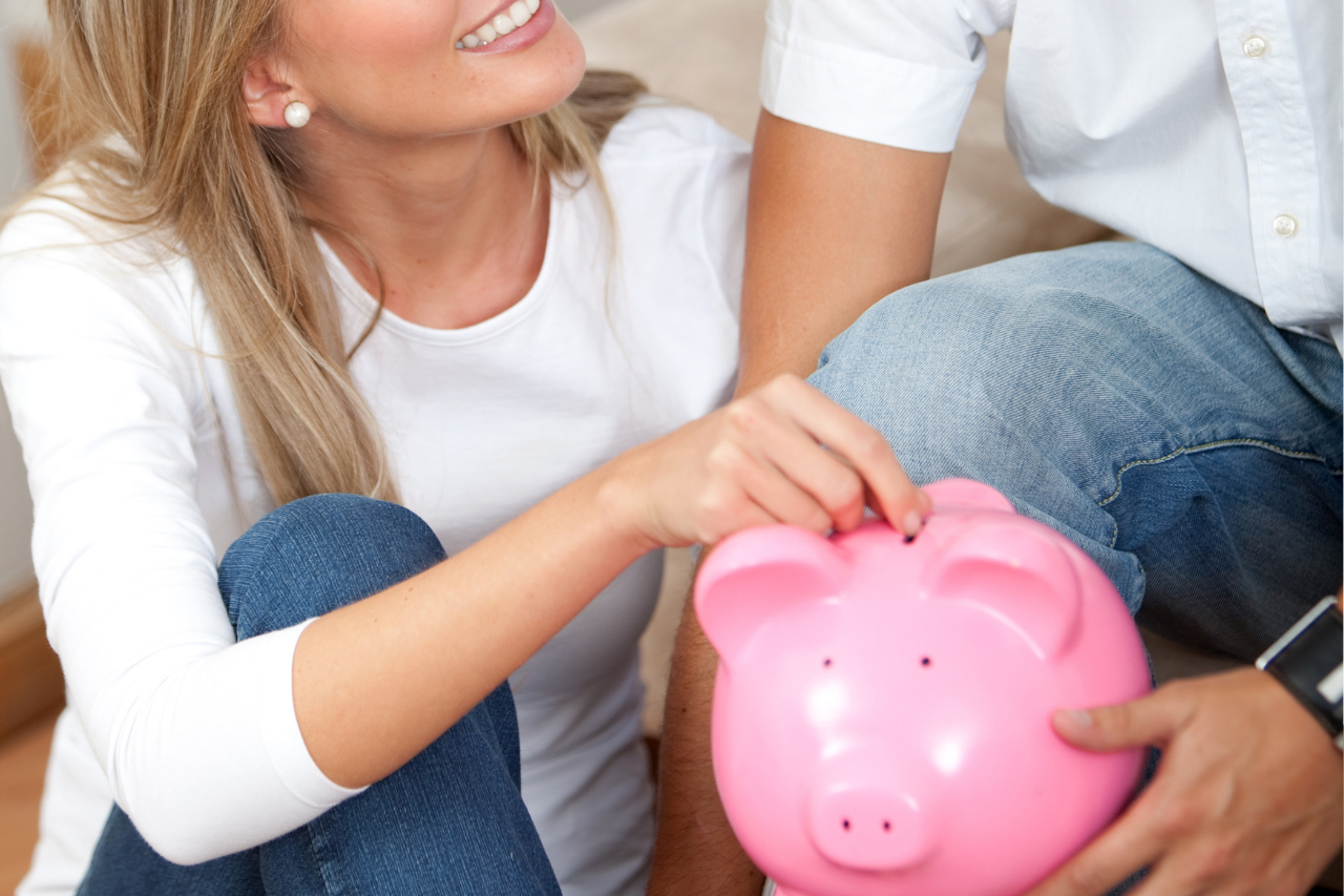 Joint bank account or separate finances for a happy marriage_