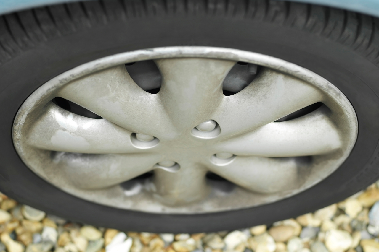 Save money by maintaining your car tyres