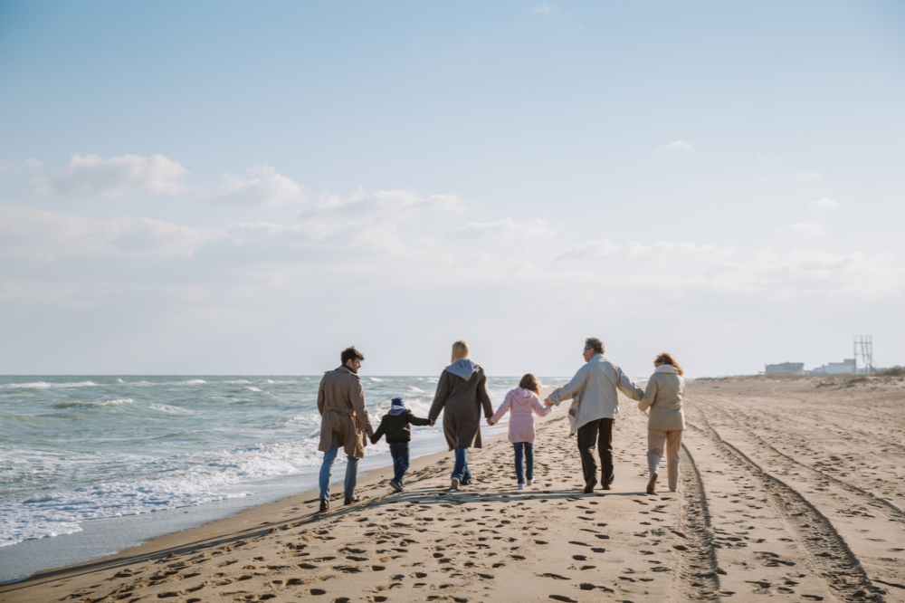 How a multi-generational holiday can save money