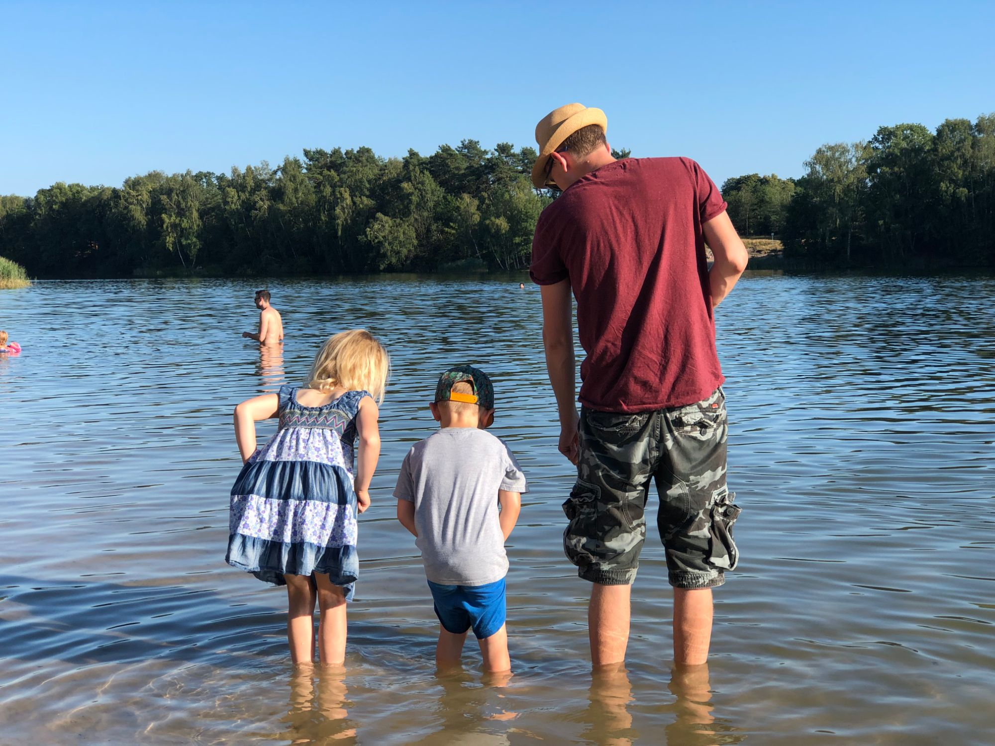 Free stock photo family holiday paddle lake beach