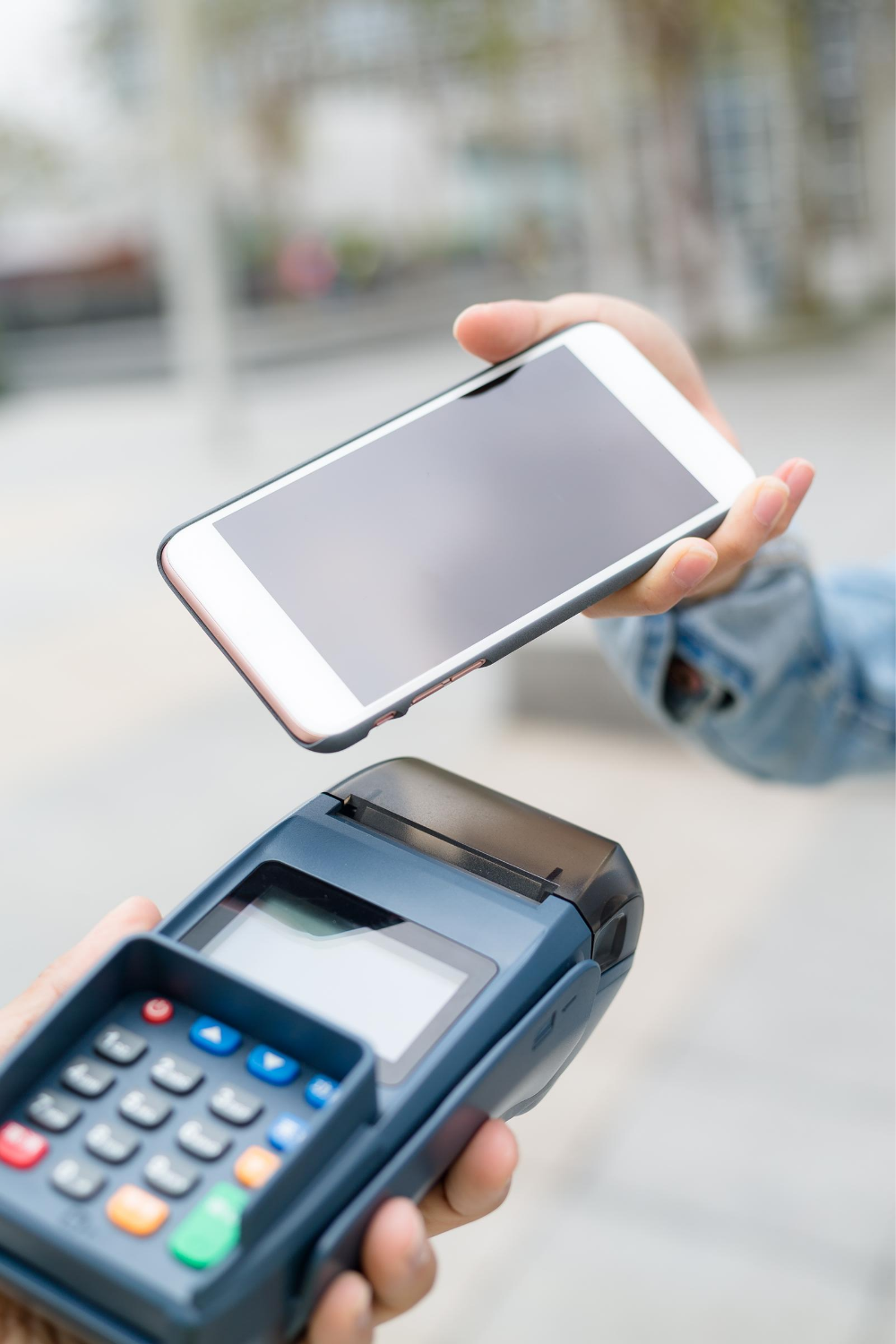 How to take card payments in a mobile business