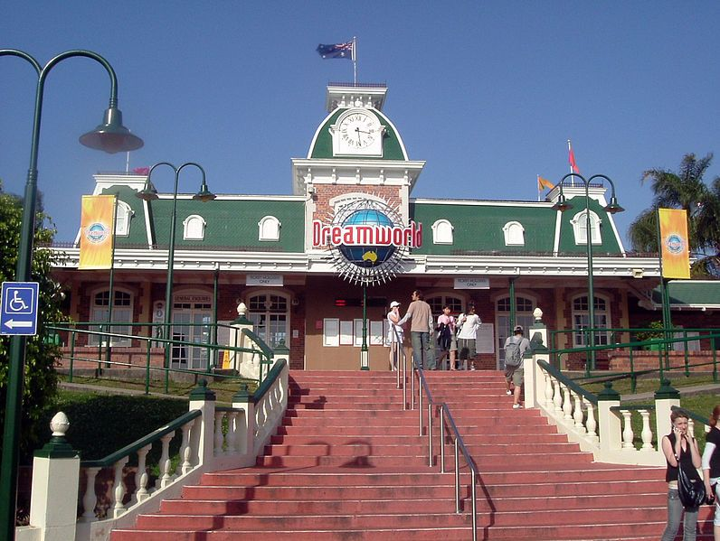 796px-Dreamworld_Entrance