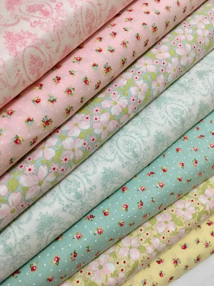 Fat Quarter Fabric Bundles