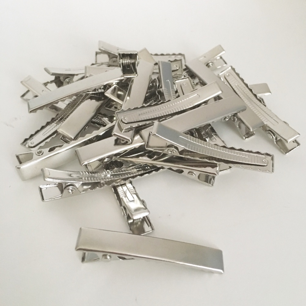 Brand new and improved!!!! 25 x Silver Rectangle Alligator Hair Clips 4.5cm