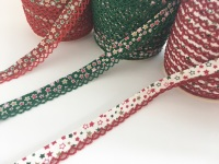 12mm Pre-Folded Star Bias Binding with Lace Edge - Christmas