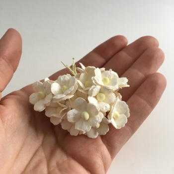 Mulberry Paper Flower Sweetheart Blossom Ivory