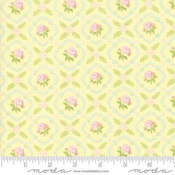 Moda Fabrics - Finnegan - Sunny Trellis