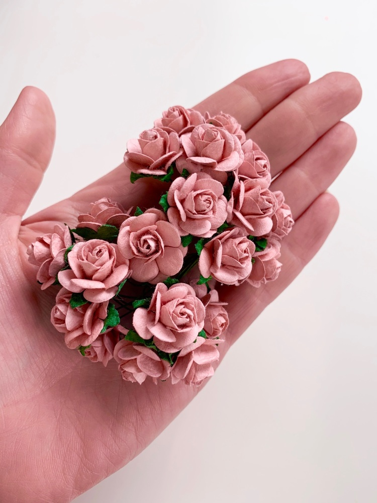 <!--020--> Mulberry Paper Open Roses - Rose Pink 10mm 15mm 20mm