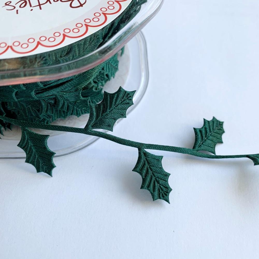 Holly Leaf Cut Trim