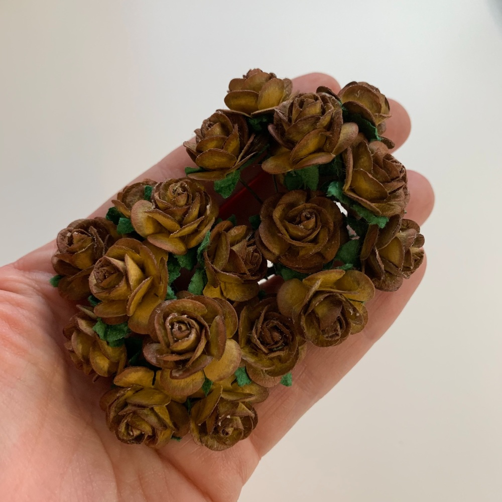 <!--040--> Mulberry Paper Open Roses - Two Tone Chocolate 10mm 15mm 20mm