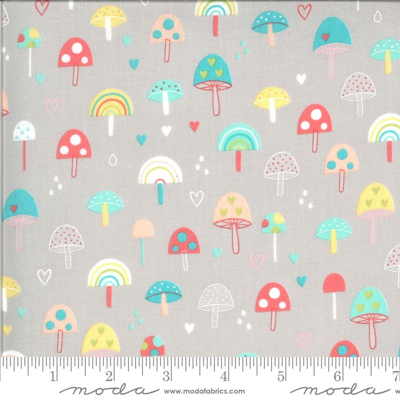 Moda Fabrics - Hello Sunshine - Mushrooms Cloudy