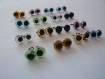 20 x Pairs of Glass Eyes (4mm) You Choose the colour