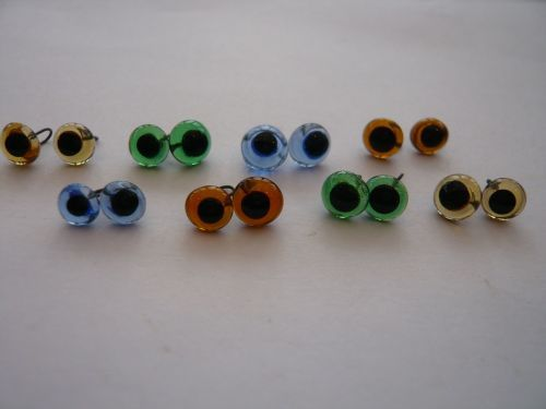 20 x Pairs of Glass Eyes (5mm) You Choose the colour