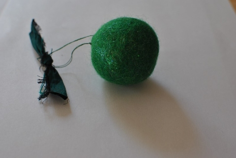 Felted ball / bauble