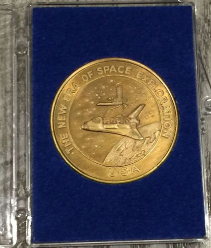 Kennedy Space centre Florida medal showing the space shuttle, Columbia Apri