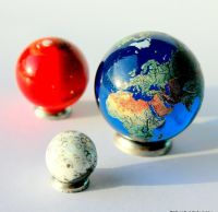 Quality Planet Marbles 1:300 Million Scale Giant 35mm Earth Globe + Mars & Moon