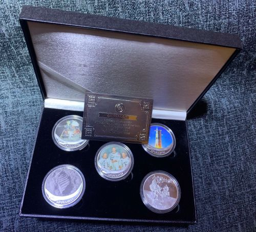 NASA Apollo 11 Moon Landing Medallion Large Coin Set Stunning In Deluxe Cas