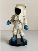 Apollo 11 Neil Armstrong NASA Astronaut Model 15cm Tall Solid Sculpture Figure (Very Rare)