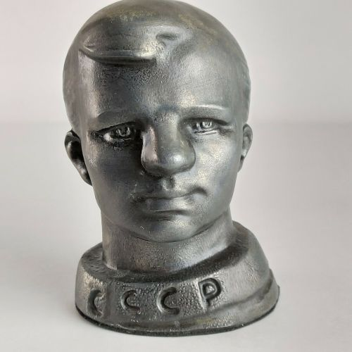 Metal YURI GAGARIN Bust Model First Ever Astronaut USSR in Space Rocket Vos
