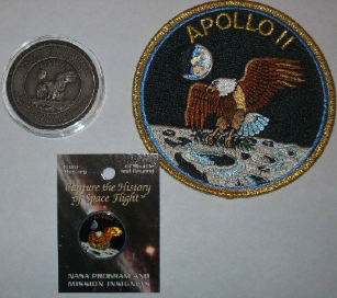 Apollo 11 Coin Flown To Moon Patch Pin Collector Medallion NASA Space Progr