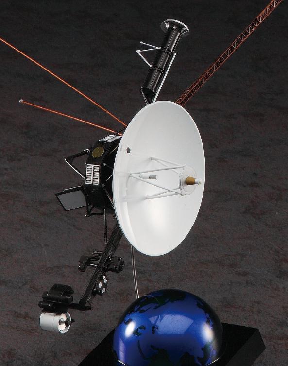 NASA Voyager Space Probe 1:48 Detailed Model Kit