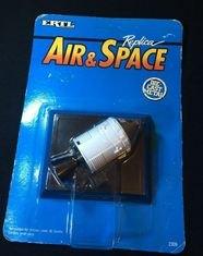 ERTL Air And Space Replica Desk Model NASA Apollo 11 Columbia Command Modul