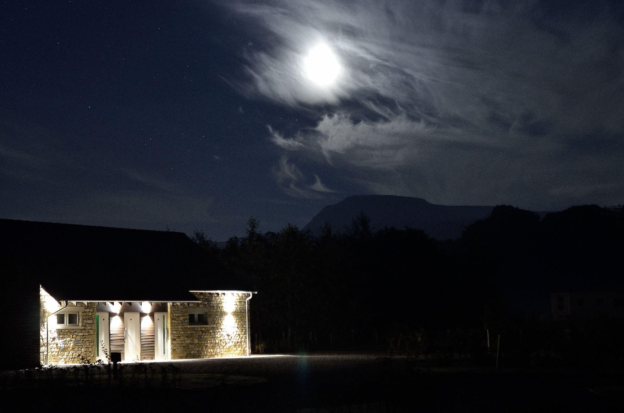 Moon & Ingleborough @ thornbrook barn (photo courtesy of Mark McInnes)