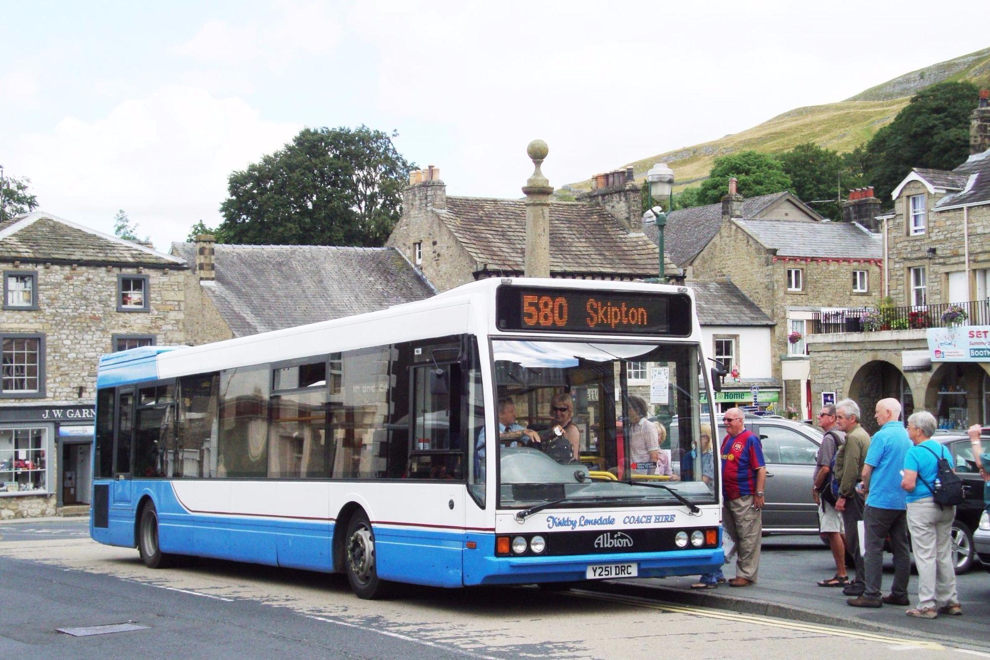 581 Bus Service