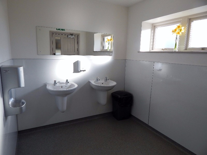 Hand wash basins at Thornbrook Barn Caravan Site